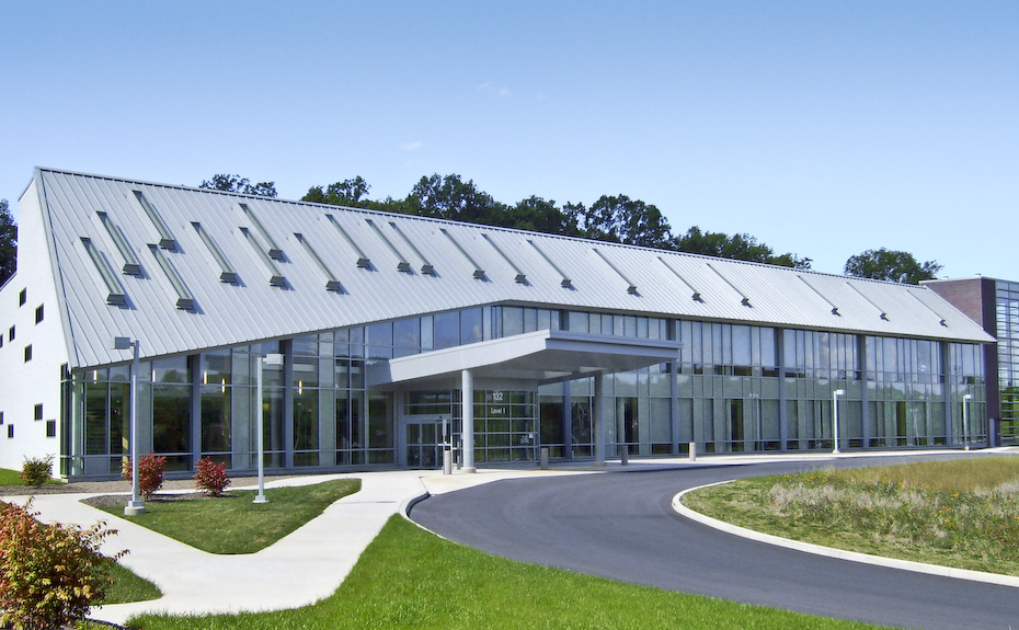 Series 300 Metal Roof from IMETCO on Geisinger Grays Medical Building