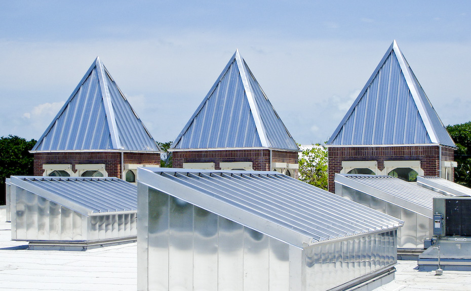 Series 300 Stainless Steel Metal Roof on United States Post Office